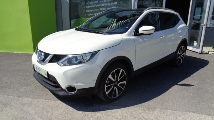 nissan qashqai 1 6 dci 130 tekna toit pano 1e main autoeasy. Black Bedroom Furniture Sets. Home Design Ideas