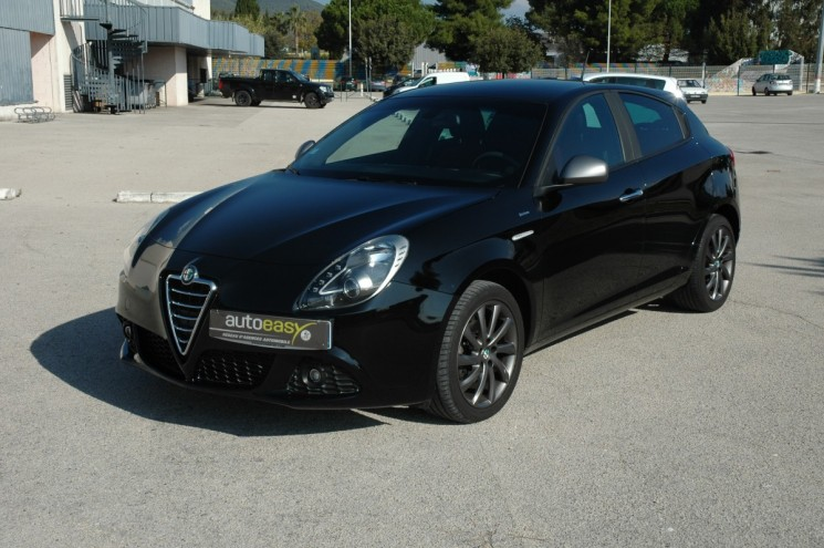 voiture alfa romeo giulietta 1 6 jtdm 105 veloce occasion. Black Bedroom Furniture Sets. Home Design Ideas