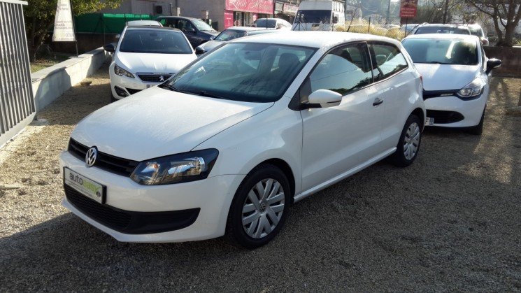 voiture volkswagen polo 1 6 tdi 90 trendline lecteur dvd occasion diesel 2011 84000 km. Black Bedroom Furniture Sets. Home Design Ideas
