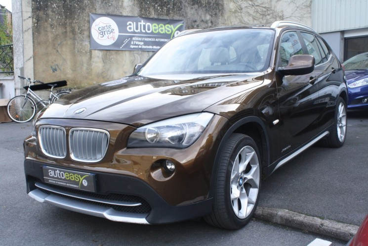 voiture bmw x1 23d luxe xdrive e84 bva toit ouvrant occasion diesel 2010 95990 km 17990. Black Bedroom Furniture Sets. Home Design Ideas