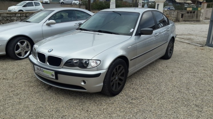 voiture bmw s rie 3 318 i e r46 1 9 i 143cv pack confort occasion essence 2003 89520 km. Black Bedroom Furniture Sets. Home Design Ideas