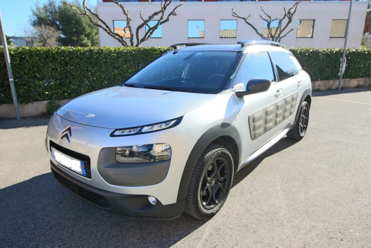 voiture citro n c4 cactus feel edition hdi 92 etg6 gps 90 occasion diesel 2014 17000 km. Black Bedroom Furniture Sets. Home Design Ideas