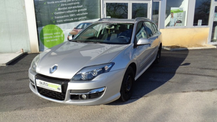 voiture renault laguna 130 cv estate black edtion occasion diesel 2011 74773 km 10990. Black Bedroom Furniture Sets. Home Design Ideas