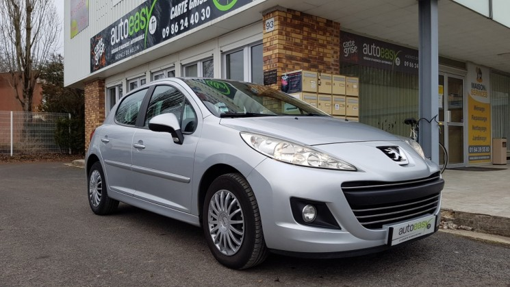 voiture peugeot 207 1 6 hdi 90 premium 5p occasion diesel 2010 134450 km 5490 vaux. Black Bedroom Furniture Sets. Home Design Ideas