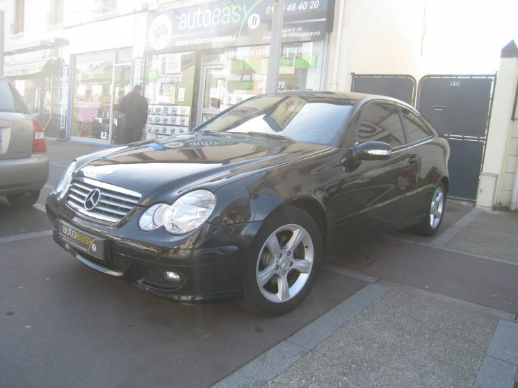 voiture mercedes classe c 200 cdi 122 coupe sport occasion diesel 2007 92000 km 6990. Black Bedroom Furniture Sets. Home Design Ideas