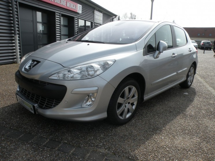 voiture peugeot 308 1 6 e hdi 115 premium pack bmp6 occasion diesel 2010 83785 km 9490. Black Bedroom Furniture Sets. Home Design Ideas