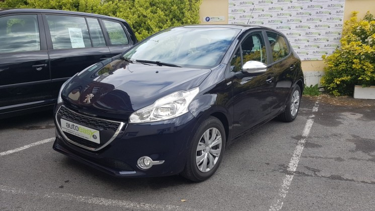 voiture peugeot 208 1 2 vti 82 5p urban soul 1 re main occasion essence 2013 18500 km. Black Bedroom Furniture Sets. Home Design Ideas