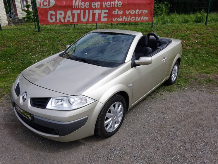 voiture renault m gane coupe cabriolet 1 6 i 111 cv dynam occasion essence 2006 124000 km. Black Bedroom Furniture Sets. Home Design Ideas