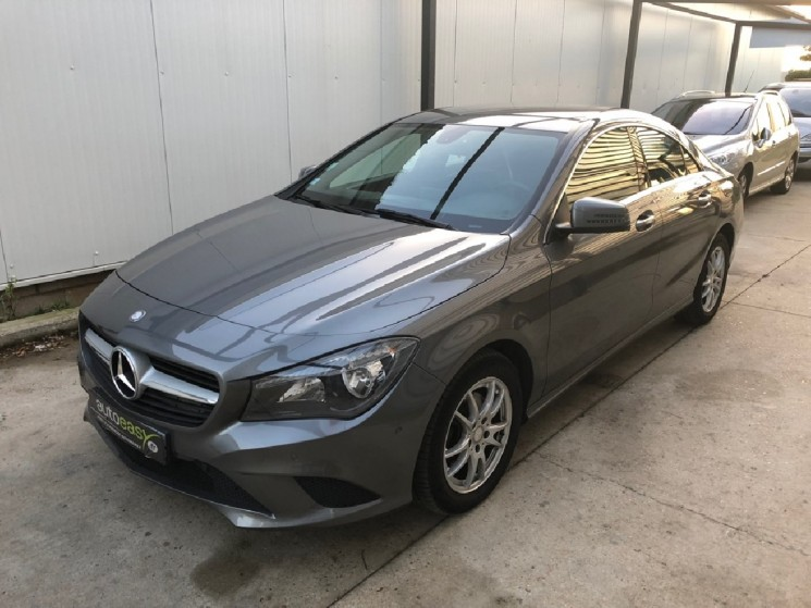 voiture mercedes classe cla 200 cdi business 7g dct occasion diesel 2013 42933 km 19990. Black Bedroom Furniture Sets. Home Design Ideas