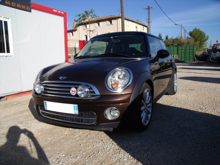 voiture mini cooper 1 6 d 110 cv edition mayfair occasion diesel 2009 113000 km 10990. Black Bedroom Furniture Sets. Home Design Ideas