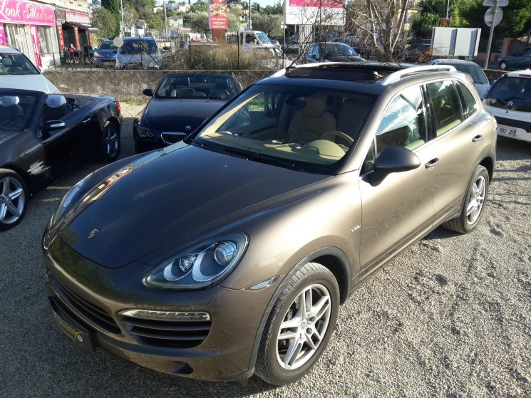 voiture porsche cayenne 3 0 v6 245 1 ere main france occasion diesel 2011 88100 km 39990. Black Bedroom Furniture Sets. Home Design Ideas