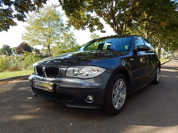 voiture bmw s rie 1 118d confort 5 p 118 d occasion diesel 2006 143450 km 7990. Black Bedroom Furniture Sets. Home Design Ideas
