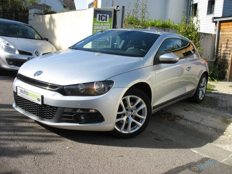volkswagen scirocco 2 0 tdi 140 carat dsg6 autoeasy. Black Bedroom Furniture Sets. Home Design Ideas