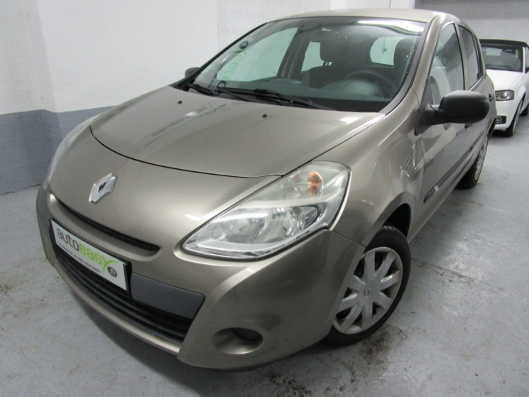 renault clio iii 1 2 16v 75 auth 5p clim 54500kms autoeasy. Black Bedroom Furniture Sets. Home Design Ideas