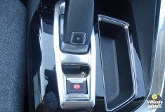 PEUGEOT 3008 1.5 HDi 130 ch Active Business EAT 8