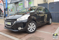 PEUGEOT 208 1.4 HDi 68 5 PLACES BUSINESS GPS